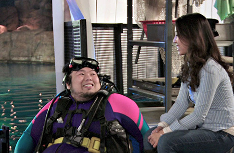 "Photos 1 & 2: Host Donna chats with aquarist Heeman in the first episode ""Life in the Aquarium"""