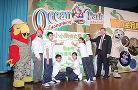 "A plege was made by 5 ""Little Animal Abassadors"", Mr. Timothy Ng - Assistant Director of Zoological Operations & Education Divion and Mr. Tom Mehrmann - Chief Executive of Ocean Park Hong Kong"