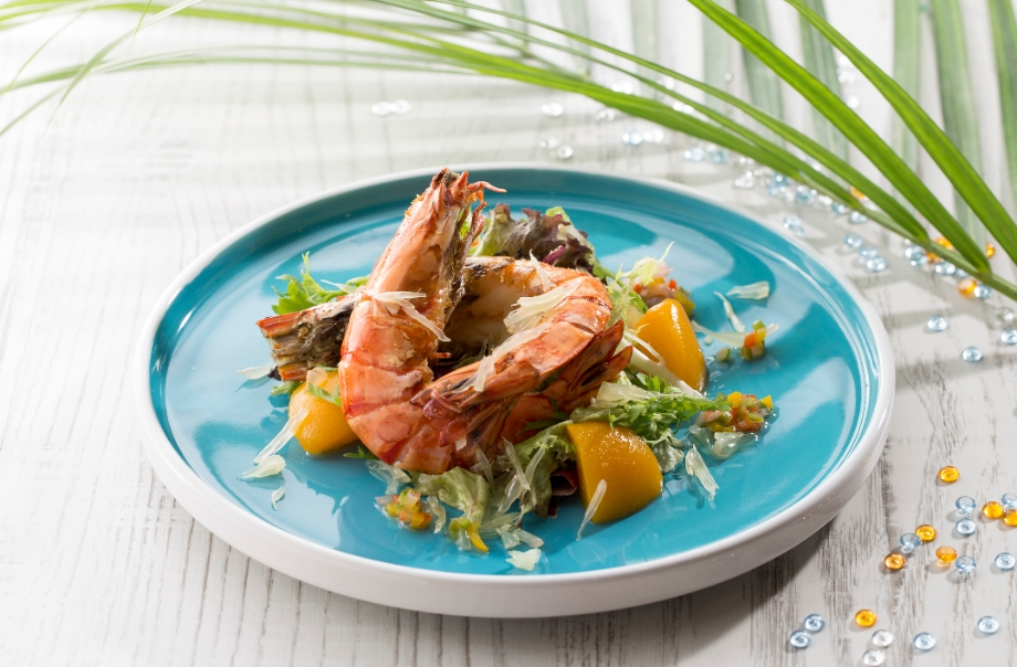 Pan-fried Tiger Prawn with Pomelo and Peach Salad