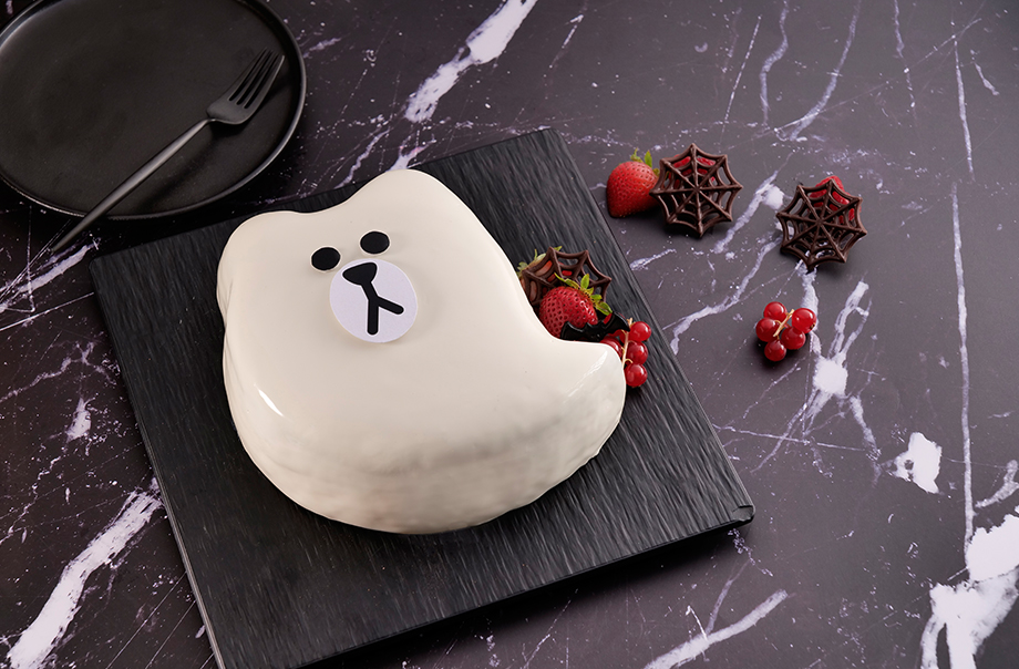 SPOOKY BROWN White Chocolate Mango Mousse Cake