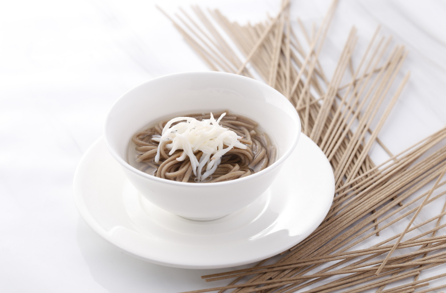 Crab Meat with Chilled Soba Noodles in Soup