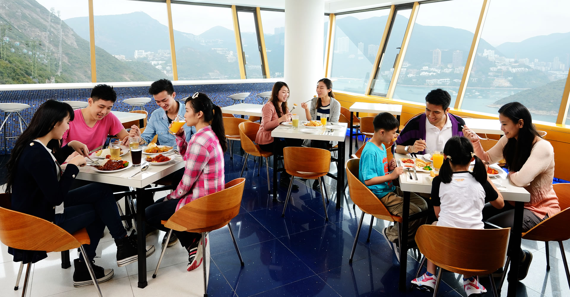 https://media.oceanpark.com.hk/files/s3fs-public/TheBayviewRestaurant_052.jpg