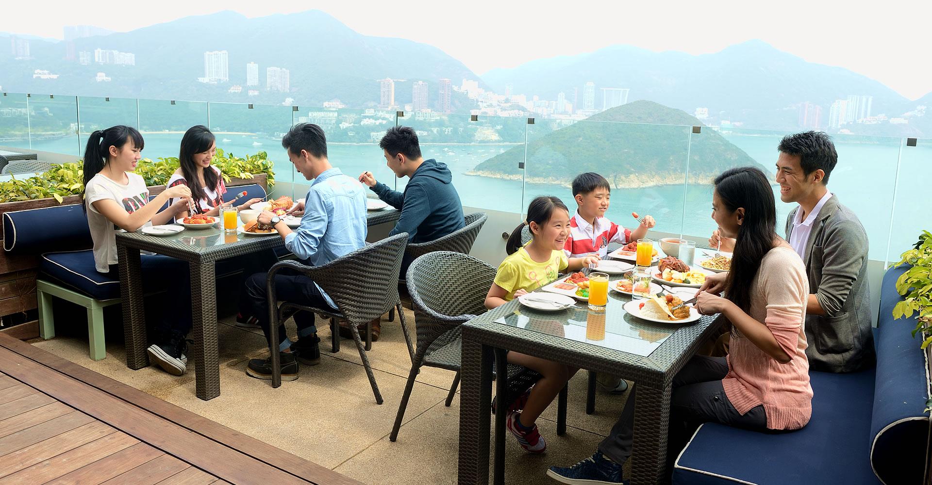 https://media.oceanpark.com.hk/files/s3fs-public/TheTerraceCafe2.jpg