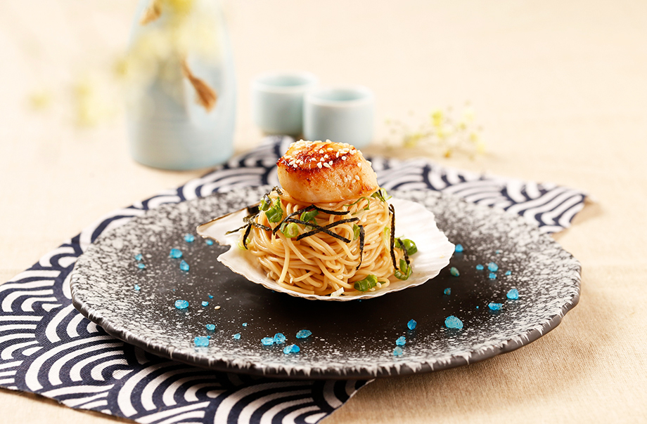 Roasted Hokkaido Half Shell Scallop with Cold Somen Noodle