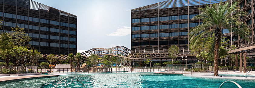 Nestled at the southern coast of Hong Kong Island, the Hong Kong Ocean Park Marriott Hotel will be an ideal place to stay for your next vacation in this vibrant city. Enjoy a fun filled day with your family and friends as you share the Ocean Park journey.