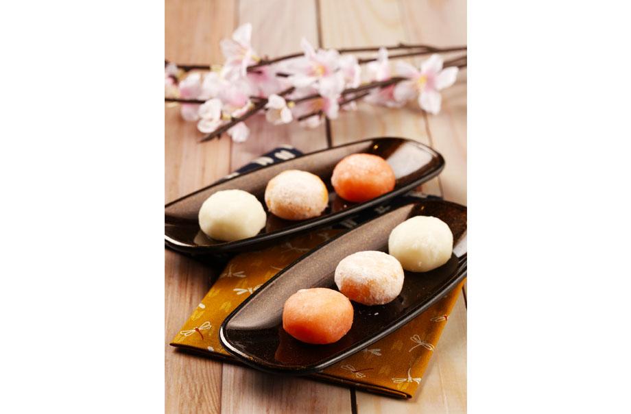Hokkaido Daifuku Mochi (Hokkaido Melon / Fuji Apple / Hanjuku Cheese)