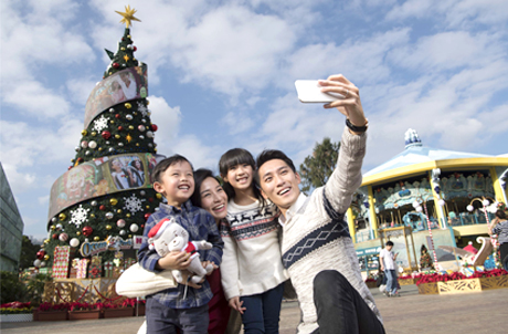 """Congratulations to the Winners of Ocean Park """"Warmest Moment at Christmas Sensation"""" Instagram Contest!"""