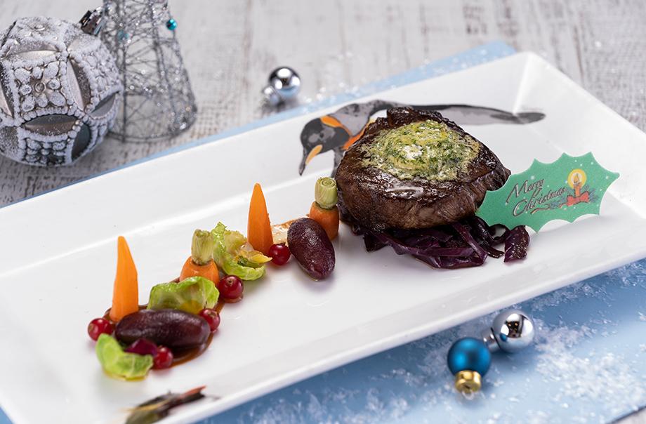 U.S. Prime Beef Tenderloin with Garlic Herbs Butter and Beef Jus